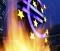 내년 국내 증시 전망은 그렇게 밝은 것만은 아니다. 지속되는 유럽 재정위기에 김정일 북한 국방위원장 사망까지 겹치면서 경제상황이 더욱 불확실해졌기 때문이다. 당장, 내년 1월부터 이탈리아 등 유럽 위기국가들의 채권이 대량으로 만기를 맞는다. 이들 국가가 필요한 자금을 확보하지 못하면 한국도 어려움에 빠진다. 사진은 독일 프랑크푸르트의 유럽중앙은행(ECB) 건물 앞에 있는 유로화 조각상. 2011.12.25